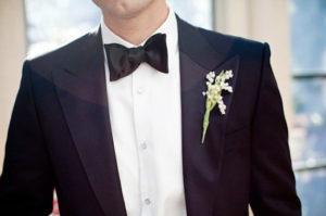 чёрная бабочка жениха на свадьбу