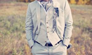 красивый галстук жениха