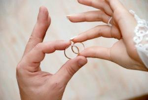 оригинальные кольца на свадьбу