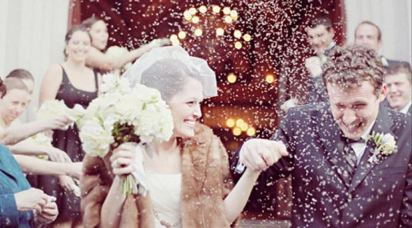 традиция: громко кричать на свадьбе