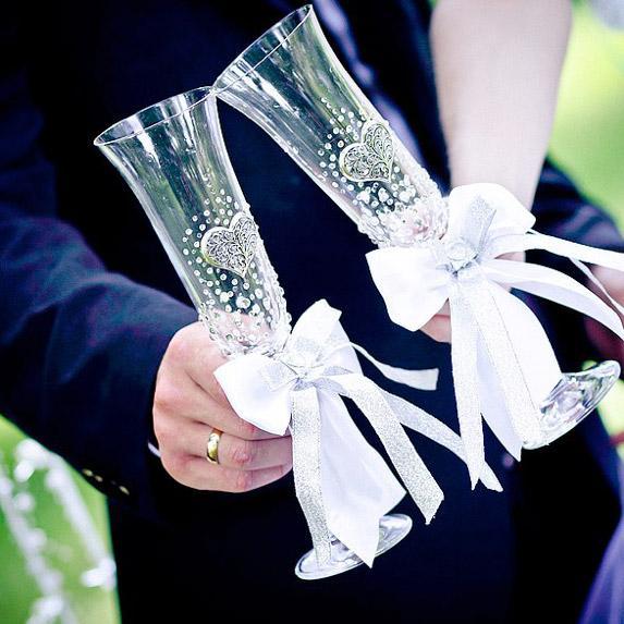 Декор свадебных фужеров