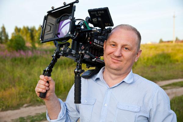 Профессиональный свадебный видеооператор в районе метро Октябрьская, фото и видео на Октябрьской